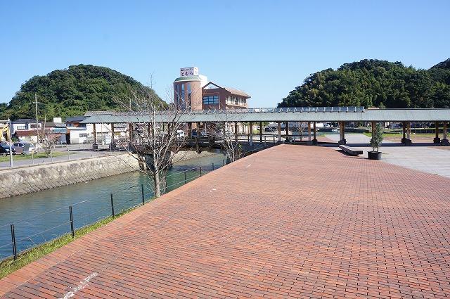 堀川夢広場