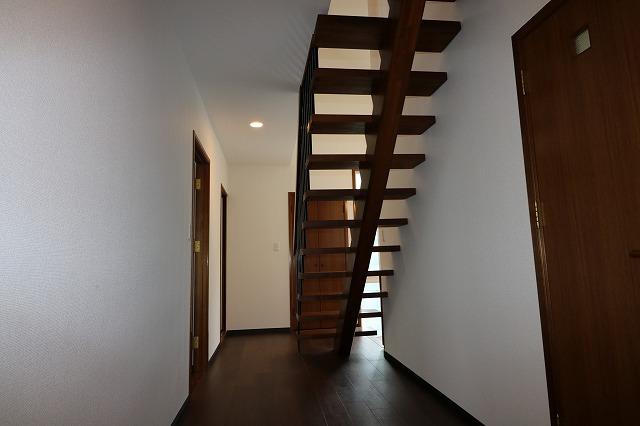 オシャレなスチール階段です♪