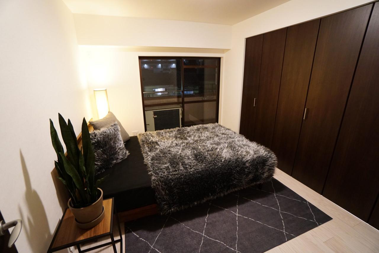主寝室(夜の室内)~ホームシックさんの展示用家具を入れてみました♪~