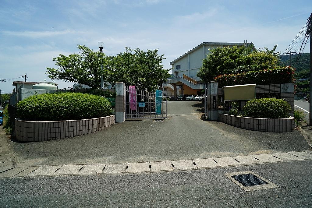 花尾中学校