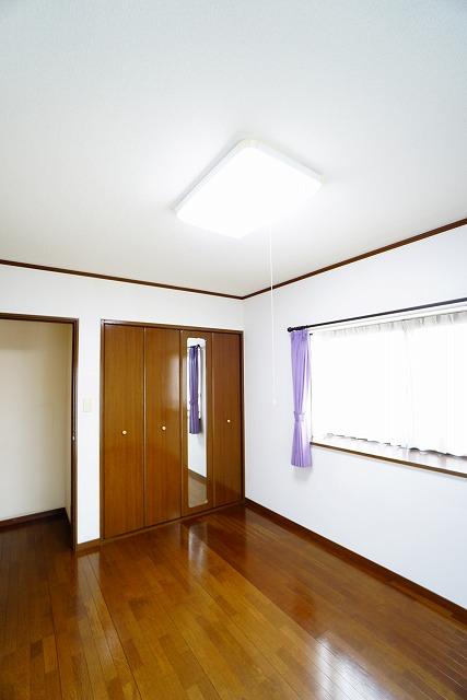 南東側洋室2