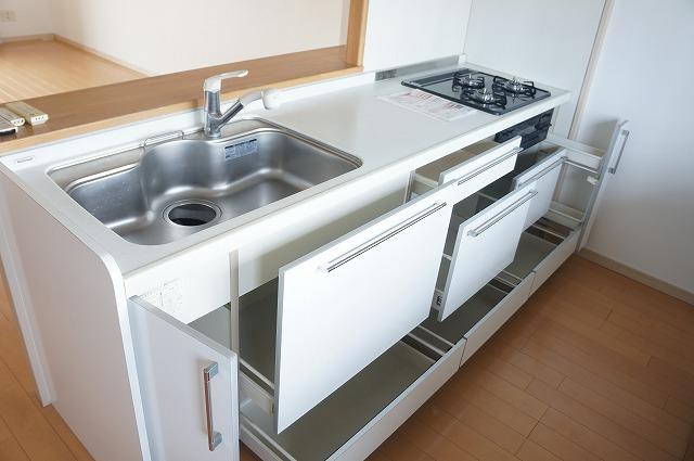 キッチンスペース・収納たっぷり