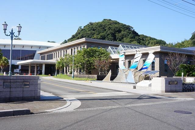 日南市生涯学習センター まなびピア(図書館分館あり)(570m)徒歩8分