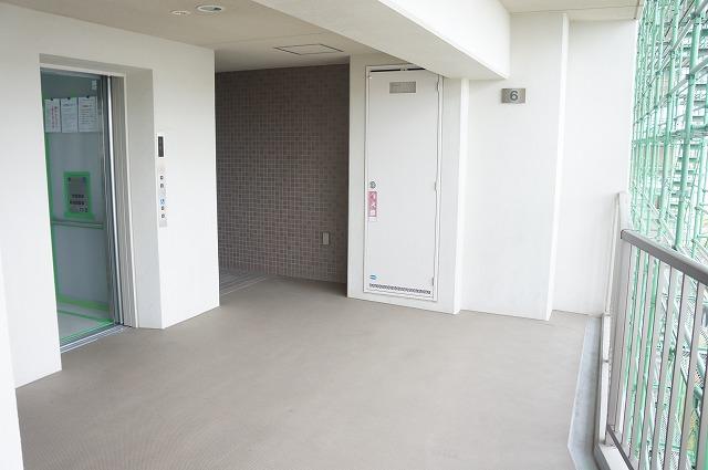 共用廊下・エレベーター