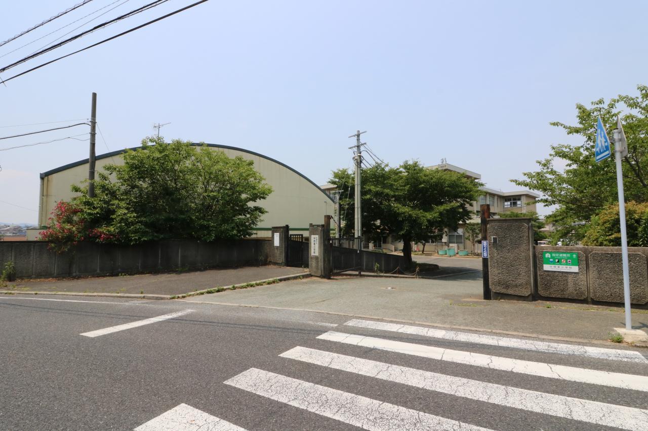 中間東小学校(1700m)徒歩22分
