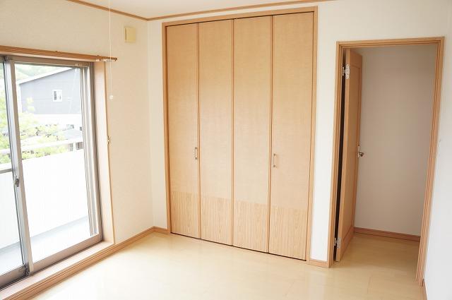 洋室(南東側5.3帖)